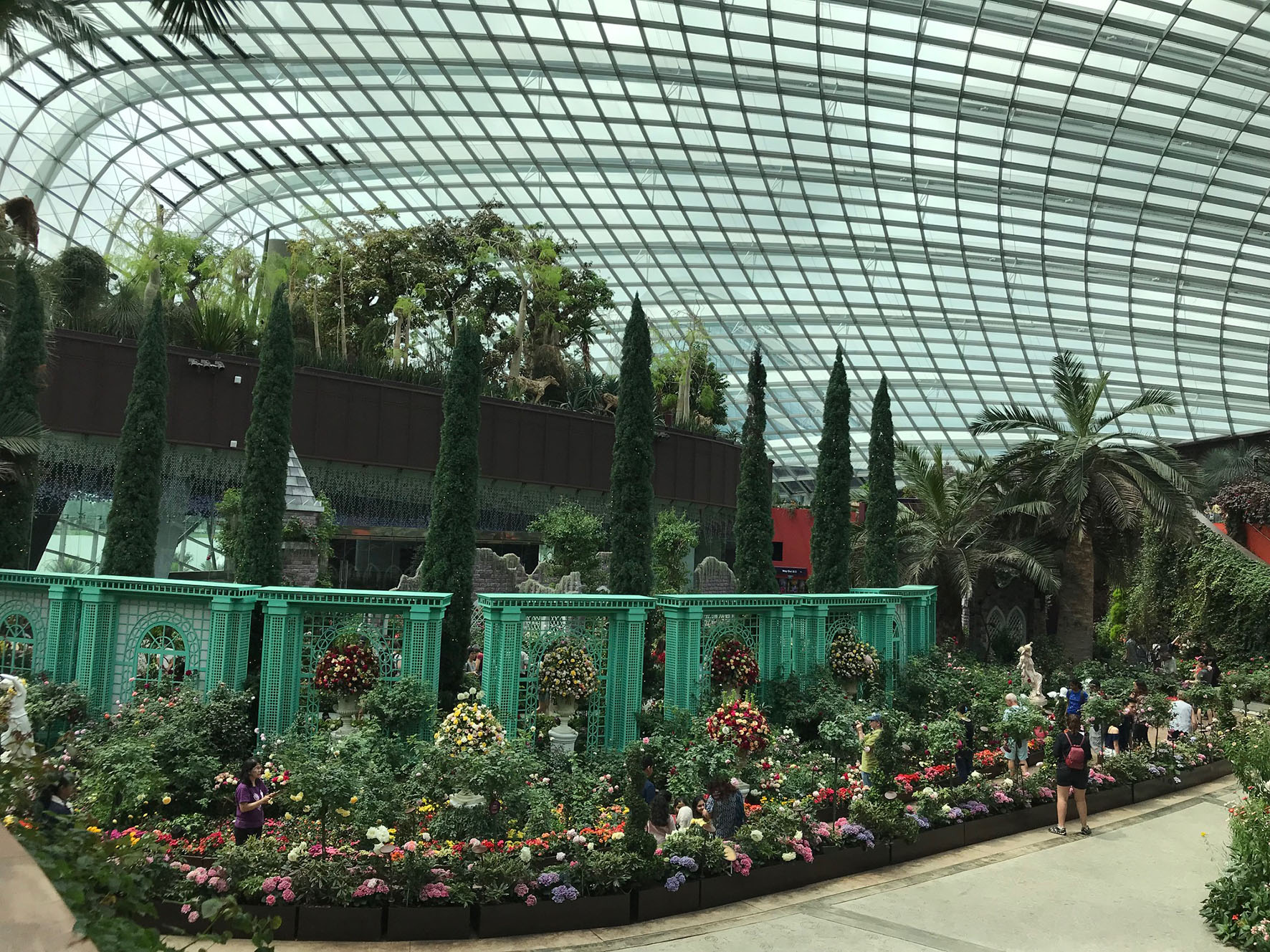 Roseraie Ducher Singapour dome.jpg